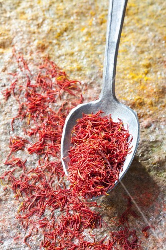 Saffron threads with spoon