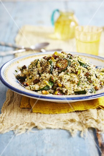 Couscous with courgettes and pistachios