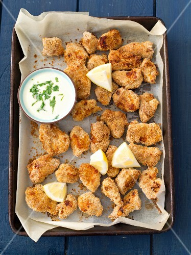 Chicken nuggets with garlic sauce