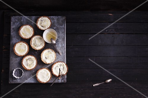 Mini lime pies with poppy seeds