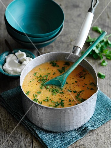 Carrot soup with ginger and parsley