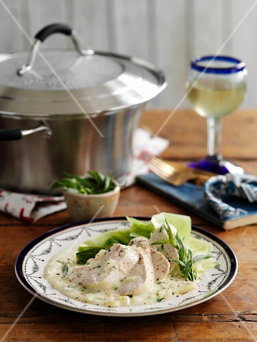 Tarragon chicken with a creamy sauce and garlic