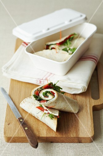 Wraps filled with pepper, rocket and cheese
