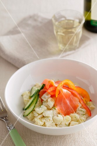 Fennel salad with smoked salmon