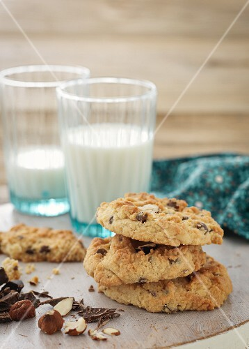 Chocolate chip cookies with hazelnuts and milk
