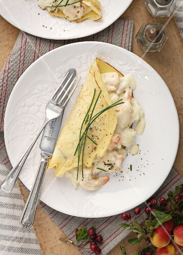 Crêpes with prawns and chives
