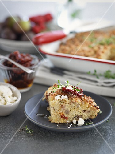 Damper (Australian bush bread) with dried tomatoes