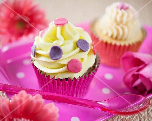 Cupcakes with pink and purple polka dots