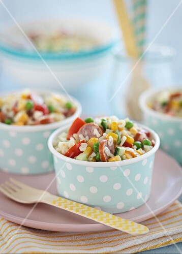 Pasta salad with vegetables and sausages