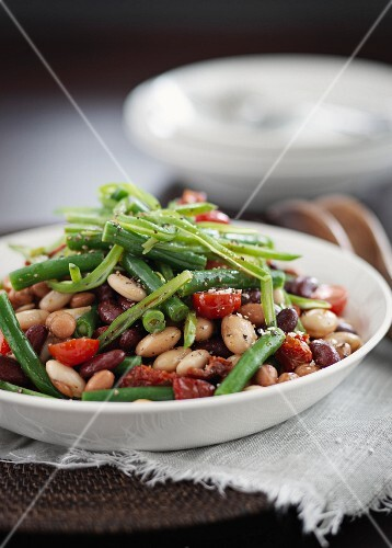 Salad with tomatoes and a trio of beans
