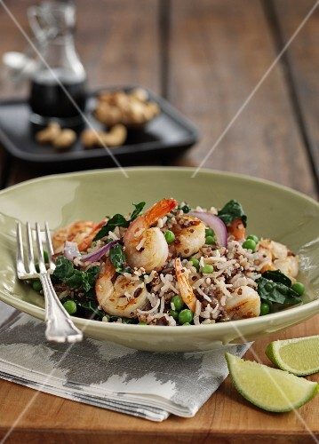 Oriental fried rice with vegetables and prawns