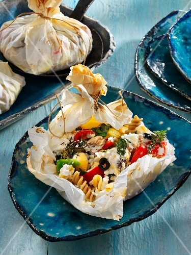 Vegetable parcels with pasta