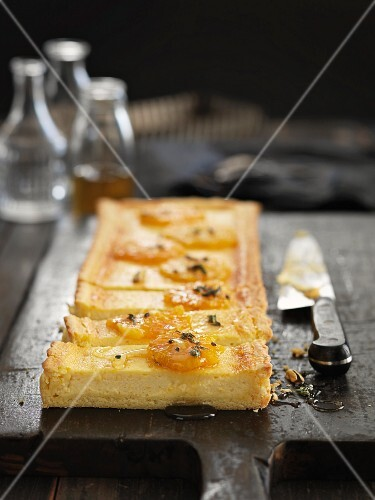 Cheese tart with oranges