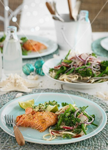 Salmon fillet with spaghetti salad