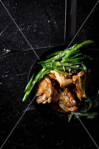 Fried lemon chicken with green beans