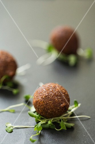 Chicken meatballs on beansprouts