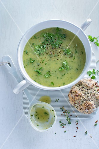 Cream of herb soup with herb bread rolls