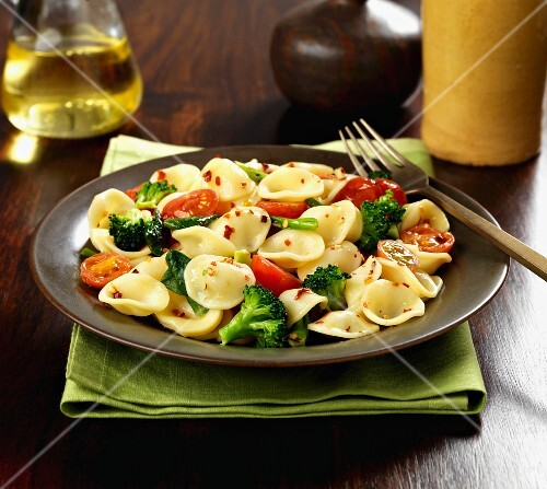 Orecchiette pasta with broccoli, tomatoes and chilli flakes