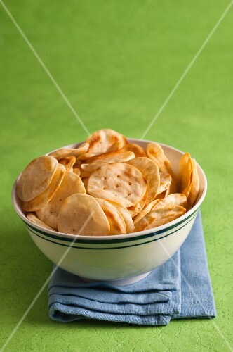 A bowl of baked potato crackers