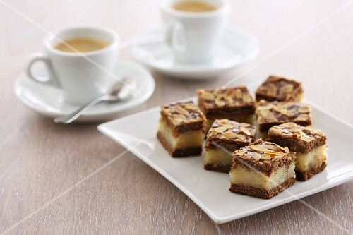 Slices of spiced cake served with coffee
