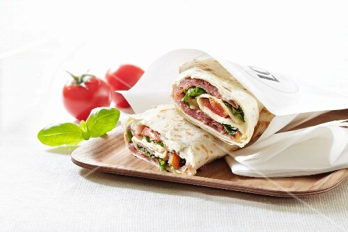Ham and rocket wraps to take away