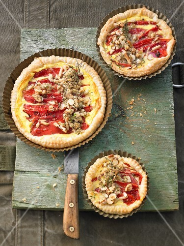 Cheese quiche with a crispy nut crust