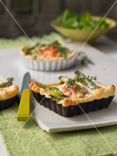Spring onion and salmon quiche with salmon tatar