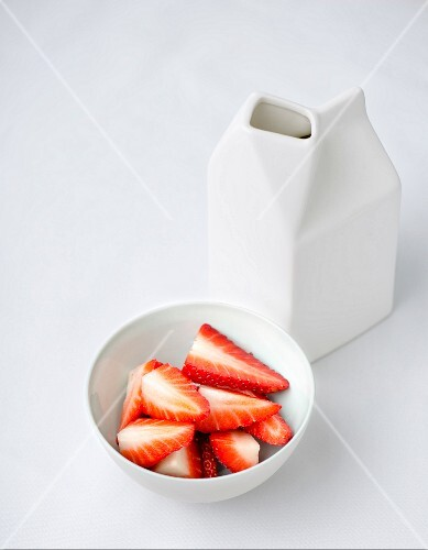 Fresh strawberries and milk