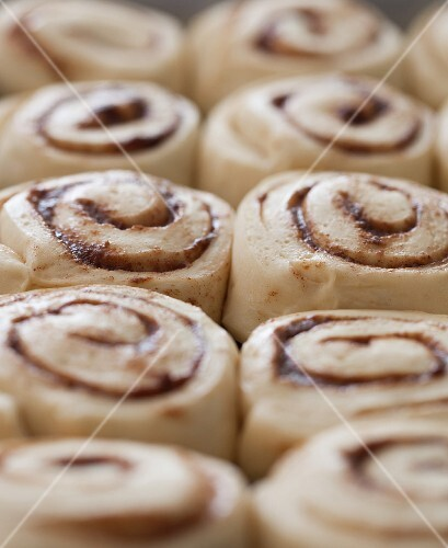 Cinnamon buns with pecan nuts