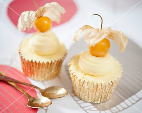 Cupcakes decorated with physalis
