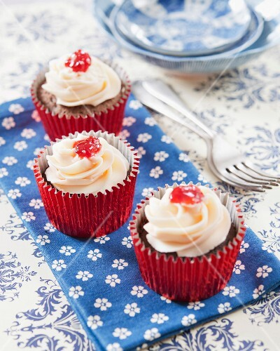 Chocolate and strawberry jam surprise cupcakes