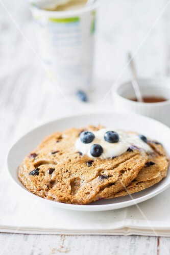 Vegan blueberry pancakes with soya yoghurt