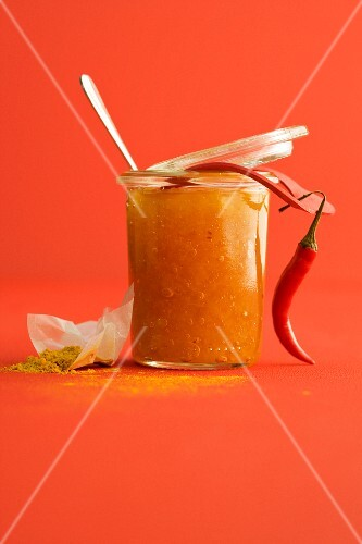 Lemon marmalade with chilli peppers