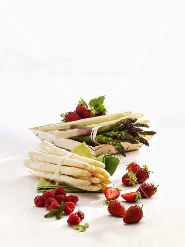 Asparagus, raspberries and strawberries