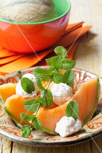 Cantaloupe melon with goat's cheese and mint