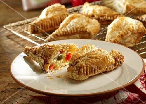 Puff pastries filled with a spicy quark filling