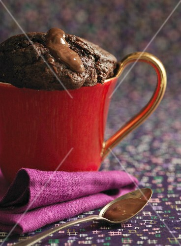 Moelleux au chocolat in a cup
