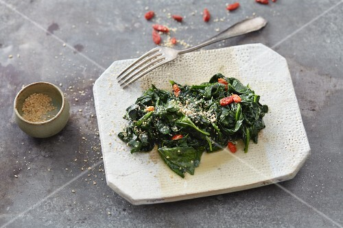 Vegan spinach with goji berries, mirin and sesame seeds
