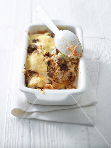 Sauerkraut bake with minced meat and cheese