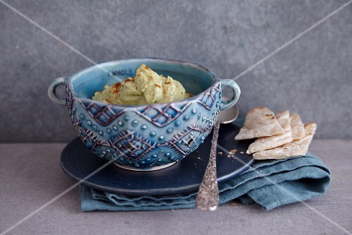 Avocado and chickpea hummus with tahini