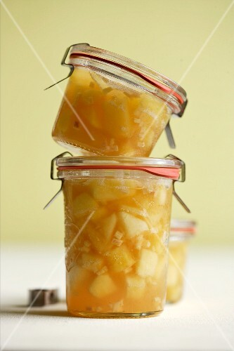 Apple jam with ginger and cider