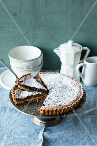 Mocha tart with caramel