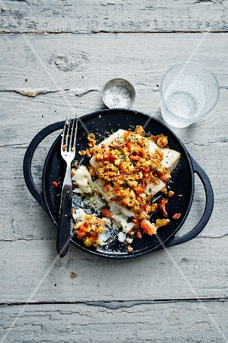 Cod fillet with an almond and olive crust (Turkey)