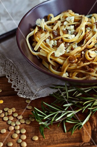 Tagliatelle with lentils and blue cheese