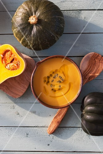 Pumpkin soup with pumkin seeds