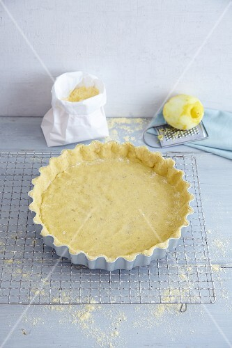 Gluten-free quark oil pastry in a baking dish