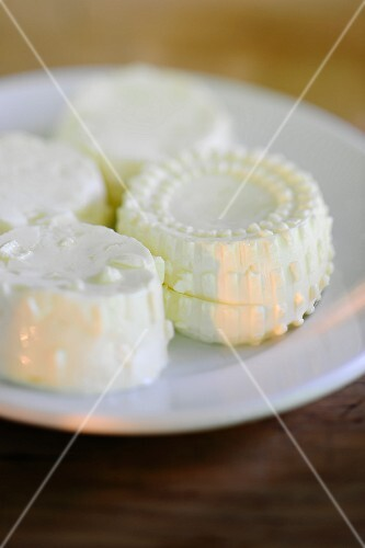 Home-made curd cheese