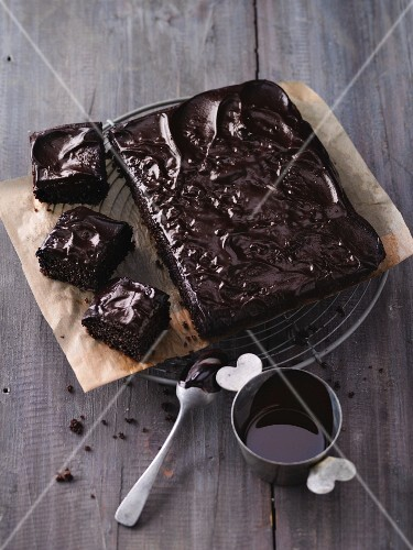 Fudge brownies with quinoa and chocolate glaze