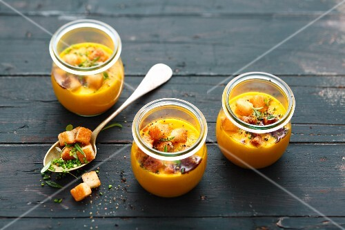 Pumpkin and ginger soup with apple