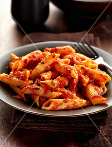 Pasta alla sorrentina (pasta with a cheese and tomato sauce, Italy)